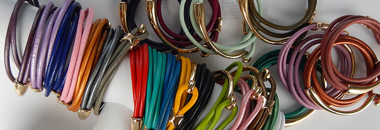 shop-smooth-leather-wrap-bracelets.jpg